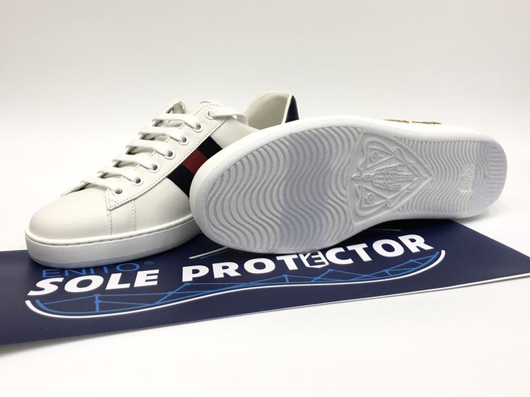 Quy trình dán bảo vệ đế giày sneaker
